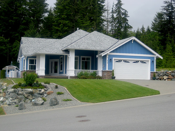 Build your new Dreamhome on the Slopes of Lake Cowichan